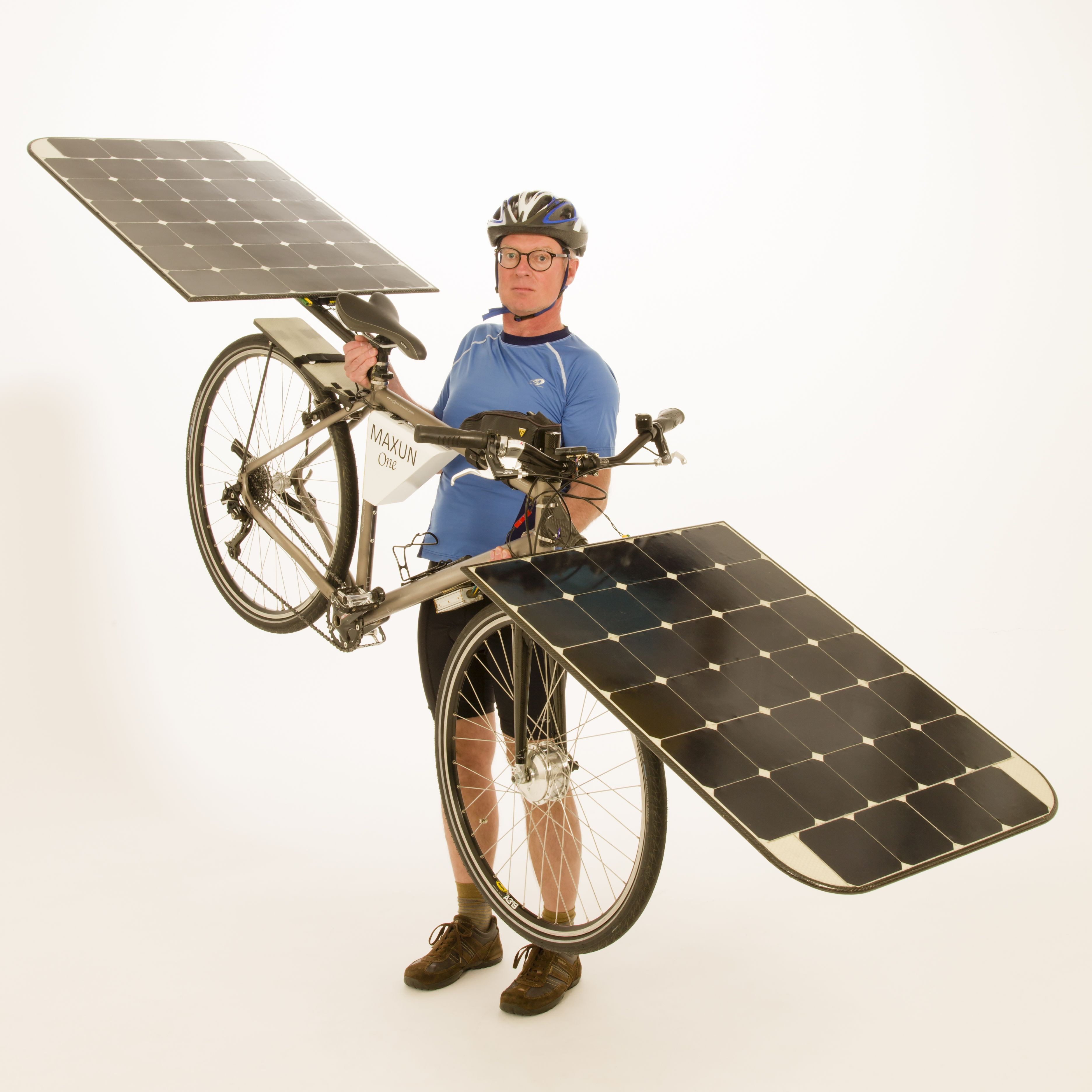 The first electric bicycle that drives entirely by solar power
